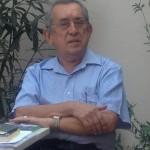 Poet Guven Turan presenting